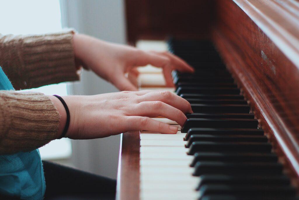 おすすめの大人向け音楽教室まとめ【料金・口コミ・先生の質を比較】